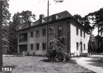 Das Schulgebäude 1952